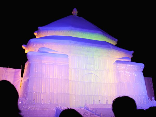 第64回札幌雪まつり 台湾の中正紀念堂の大氷像2