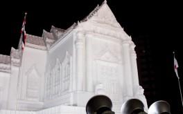 タイの王立寺院ワット・ベンチャマボピットの大雪像